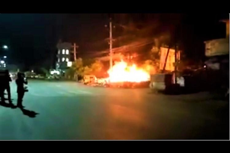 Angered at molestation bid on minor locals attack Andhra police station