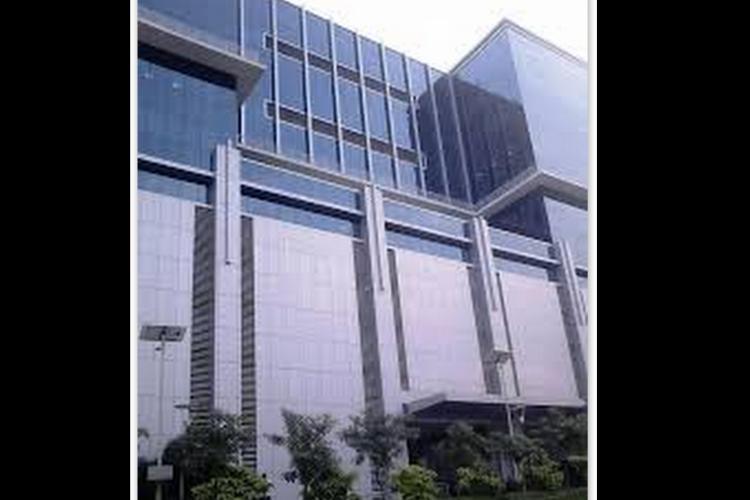 ACB court summons senior Andhra and Telangana babus over Rahejas industries scandal