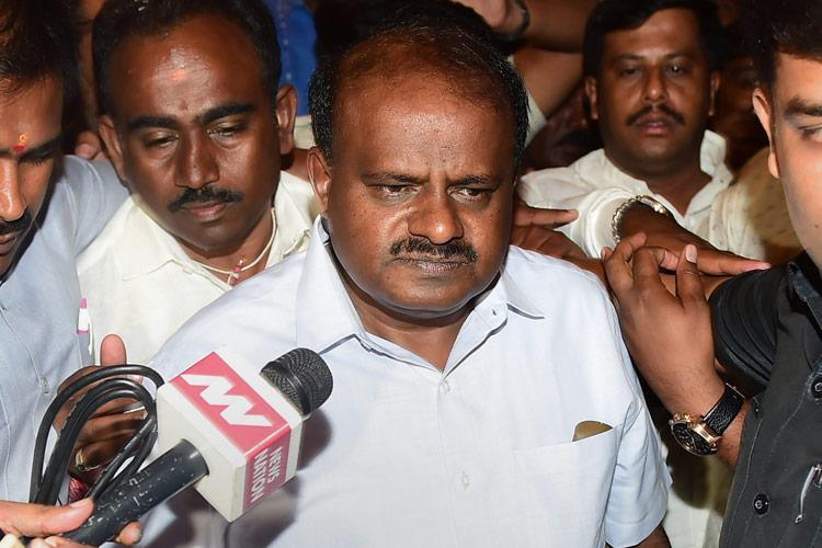 282 not 450 people in my office Ktaka CM Kumaraswamy rejects RTI reply