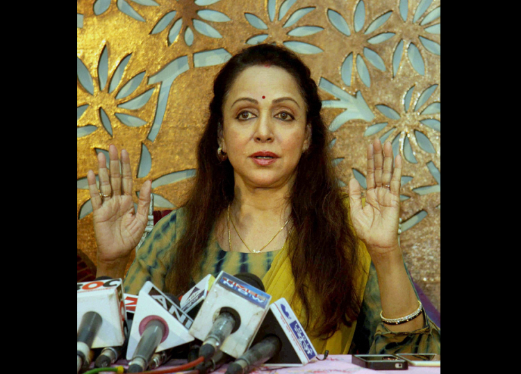 Hema Malini served CRZ notice over land allotted earlier RTI