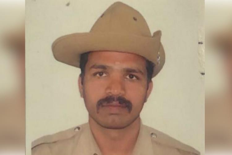 Bengaluru cop nabs mobile thief after hot pursuit rewarded with honeymoon package