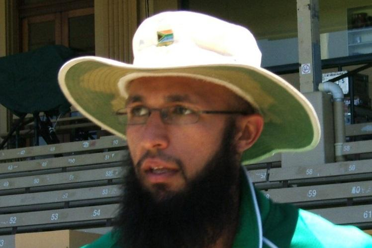 Twitterati have a laugh as Amla sets new record for slow batting