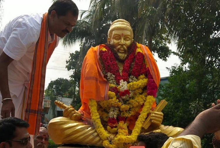 Hindu Makkal Katchi leader wraps saffron cloth around Thiruvalluvar statue detained