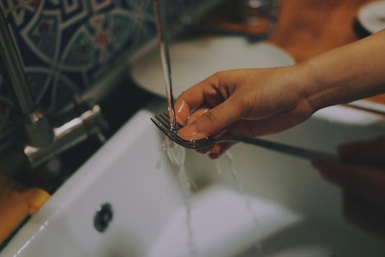 How last nights fight affects the way couples divide housework
