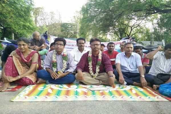 Suspended faculty members didnt inform of arrest says UoH hunger strike enters day two