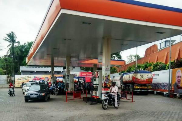 Centre announces Rs 250 cut in fuel prices asks states to do their part