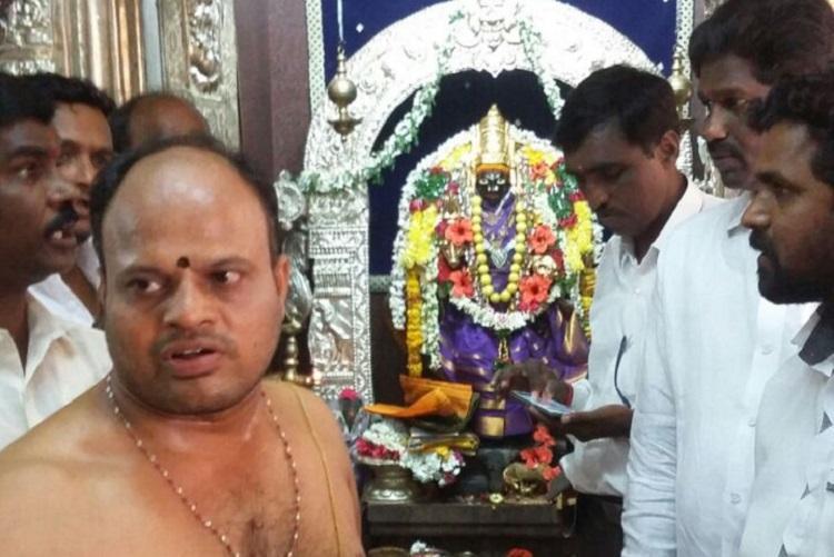Divine intervention for Sindhus gold quest Hyderabads Visa Balaji holds 2 extra Pradakshinas