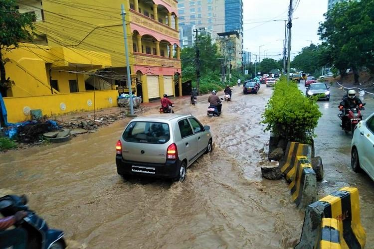 As rains lash Hyderabad flooded roads and traffic snarls return