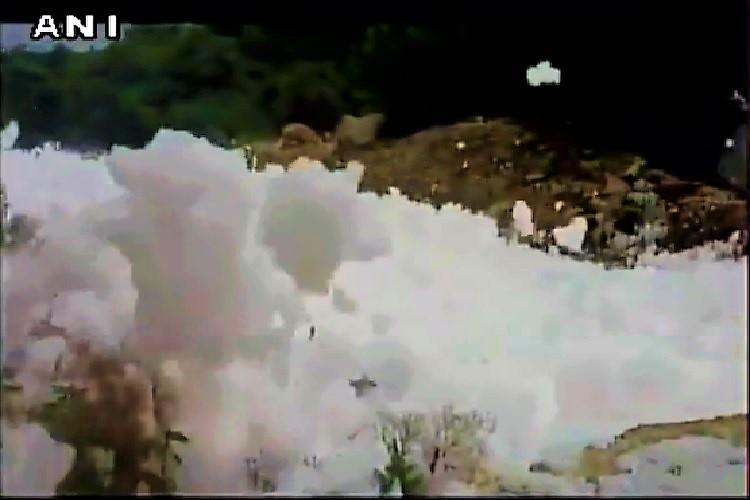 Video Now toxic foam from Hyderabad drain makes its way to the streets