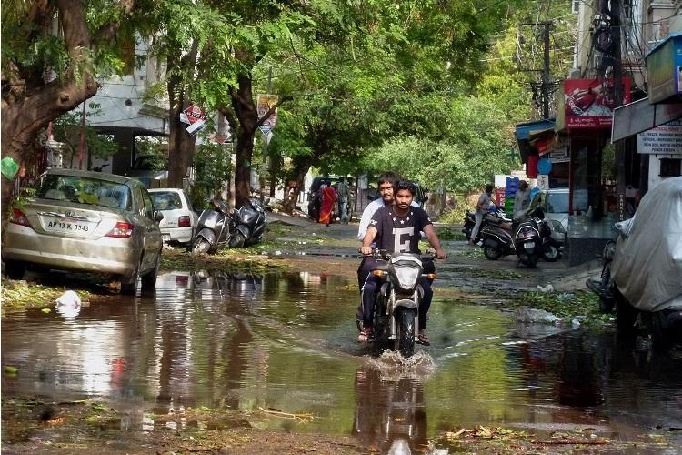 Hyderabad gets rain IMD predicts showers over Telangana for two days