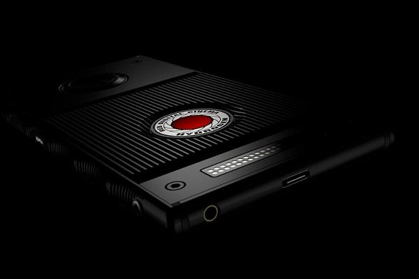 Camera Developer RED Announces Holographic Display Smartphone