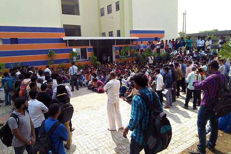 Pro Kannada outfit shuts down banking exam centres across Ktaka several aspirants affected