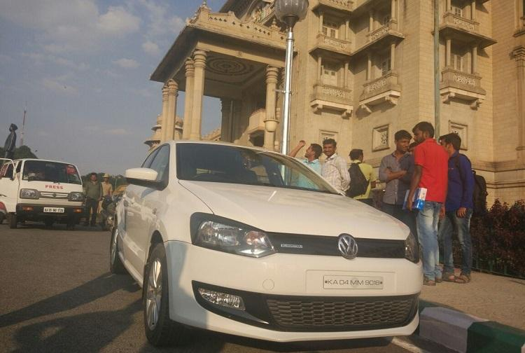 Bengaluru police seize Rs 25 crore from private car in Vidhana Soudha
