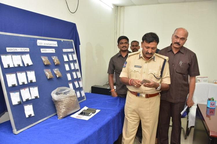 3 held in Hyd with heroin and LSD as police team busts drug racket ... 8fe012000ca37