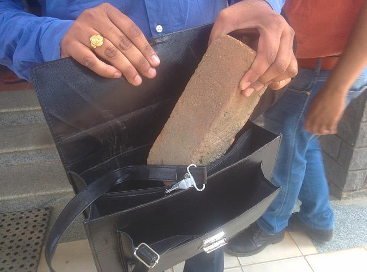 Bengaluru man pays 60 grand for three Apple gadgets gets a brick instead