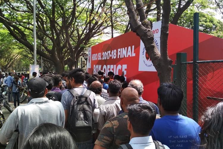 Frenzy for tickets ahead of Bengaluru-Chennaiyin ISL final