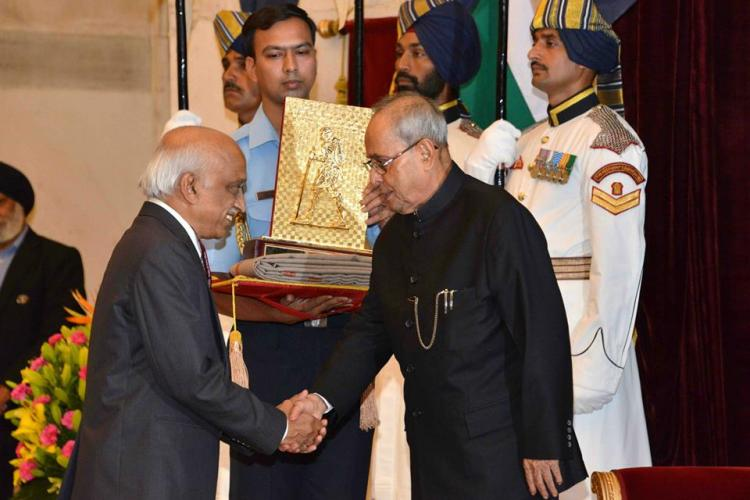 President confers Gandhi peace prize on ISRO