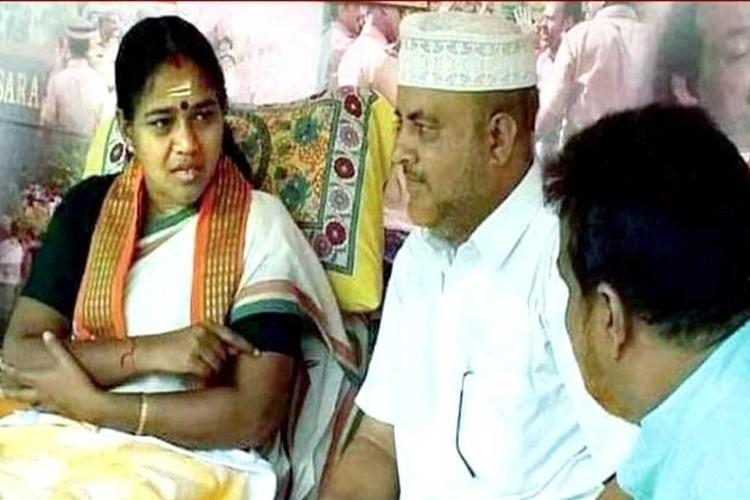 IUML sacks local leader for visiting BJP Sobha Surendran at hunger strike venue