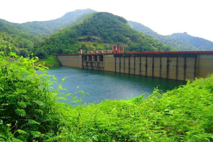Did Kerala EB issue proper warnings before opening Wayanad dam shutters