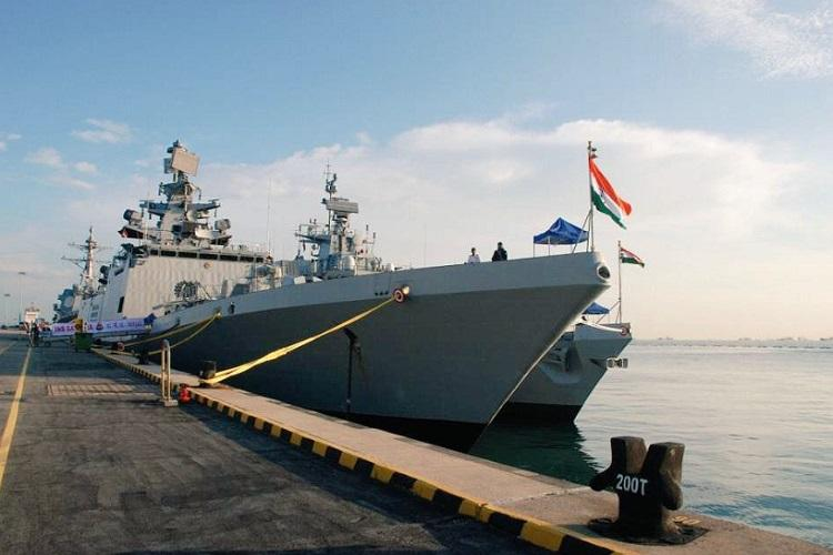 Indian fleet draw appreciation on Navy Day