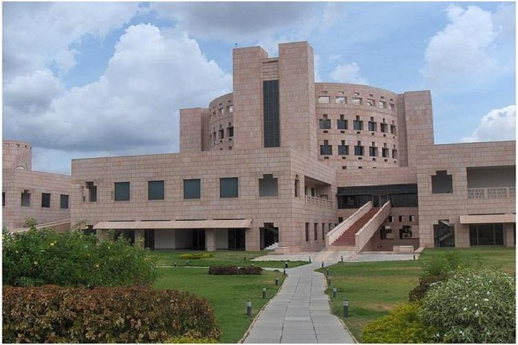 Indian School of Business ranks 24 in Financial Times Global MBA rankings