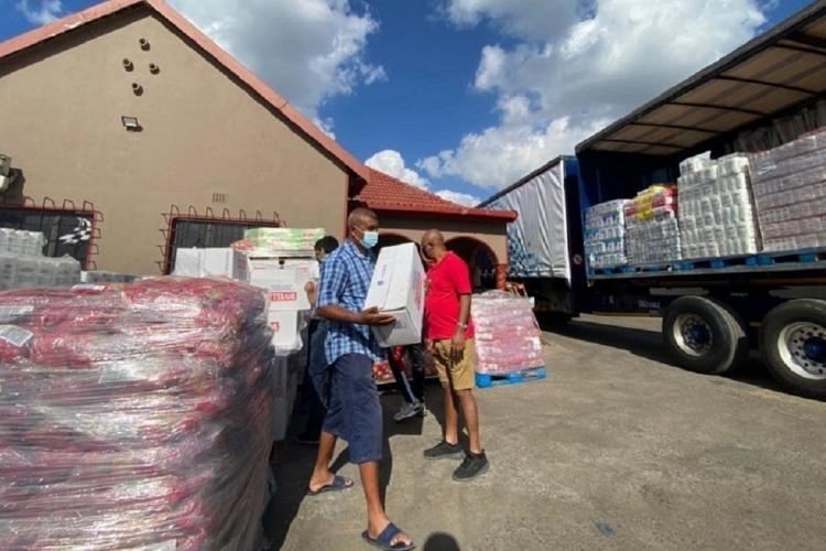 People from the Indian community in South Africa involved in relief work