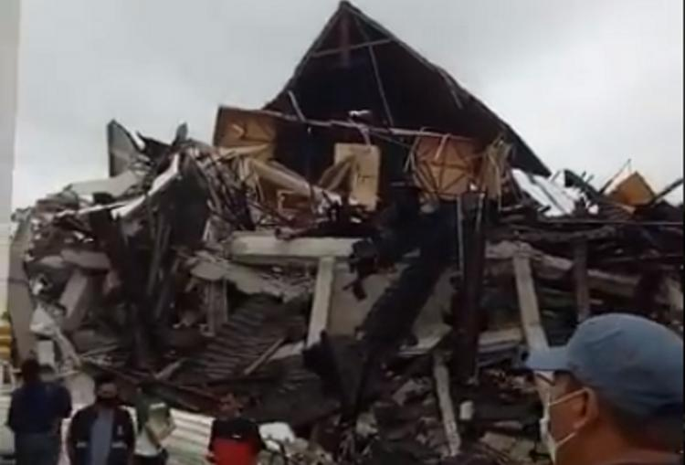 Picture of destruction after an earthquake struck Indonesia