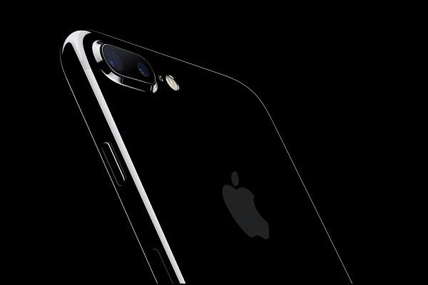 Apple sued by Israeli company for alleged infringement of its dual lens camera technology
