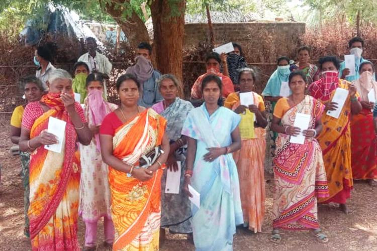 Good Samaritans step in to help Irula tribals who were cheated by conman in TN