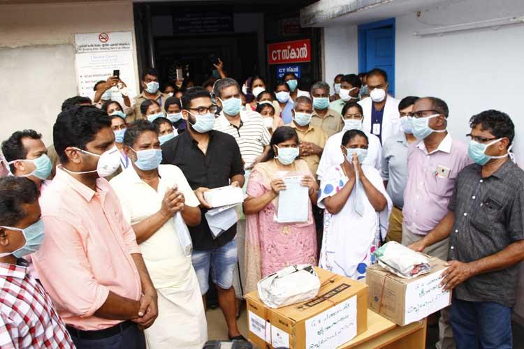 5 members of a family who recovered from COVID-19 get warm send-off by Kerala hospital staff