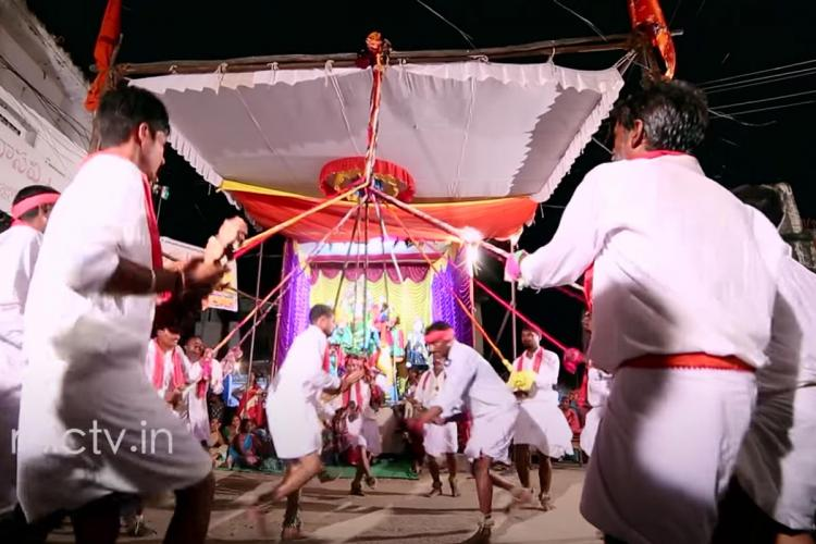 A Jadakoppu-Kolatam performance in a village in Jagtial district Telangana