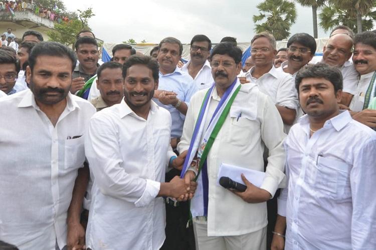 Ex-Andhra minister Anam Ramanarayana Reddy meets Jagan joins YSRCP