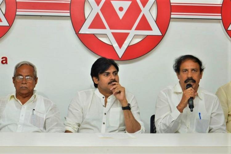 Pawan Kalyan joins hands with Left parties to fight for special status to AP