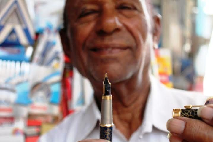 Madurai Meenakshis ink master 85-year-old Jaan bhai has been selling pens for 4 decades