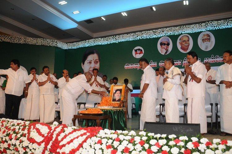 Jayalalithaa present at GC meet in spirit as a portrait on an empty chair