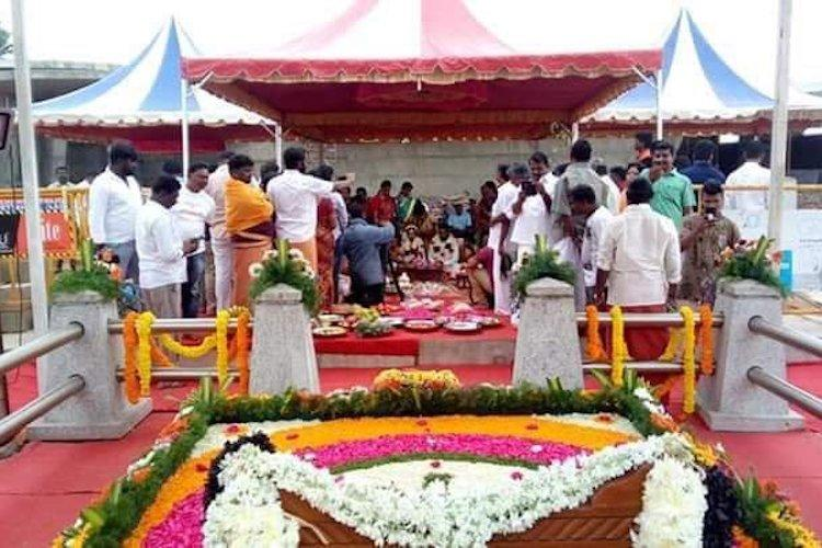 Felt like Amma blessed the couple AIADMK cadre conducts sons wedding at Jaya memorial