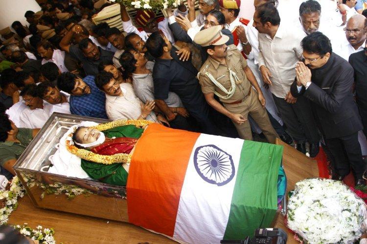 Live Blog Jayalalithaas final journey - Rajaji Hall to Marina