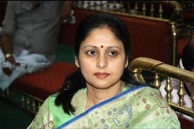 Telugu actress Jayasudha officially joins TDP