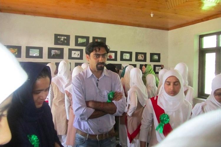 Colours of peace Meet Bengaluru artist Jeetin Rangher who takes art to Kashmiri schoolgirls