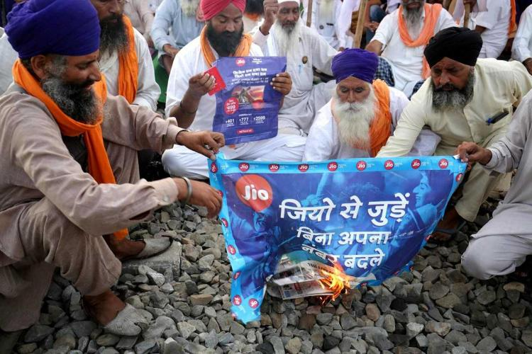 Jio accuses Airtel and Vodafone Idea of using farmers protests to port out customers