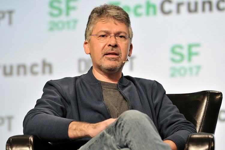 Apple hires Google's former AI boss to help improve Siri