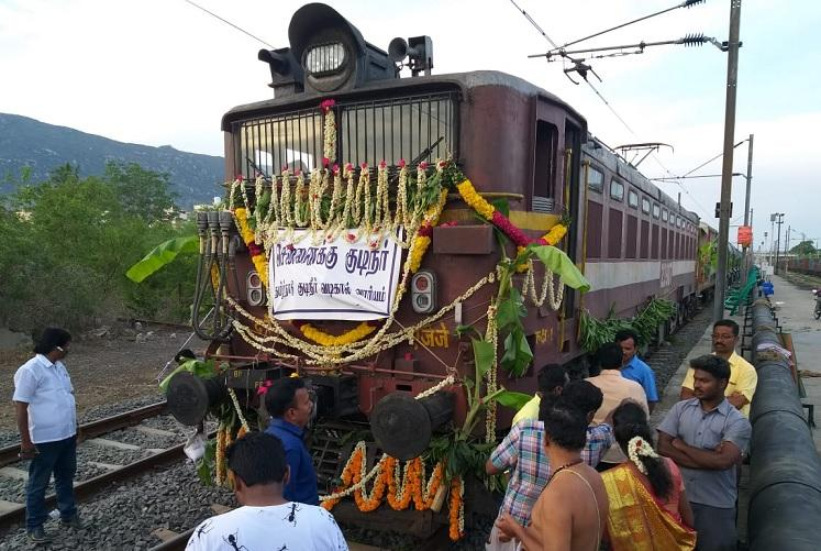 First train carrying water for parched Chennai finally leaves Jolarpet