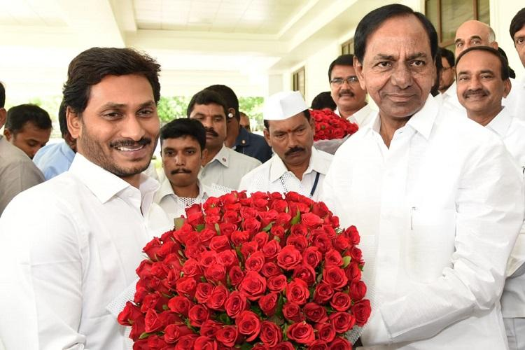 Jagan meets KCR in Hyderabad talks held on inter-state issues