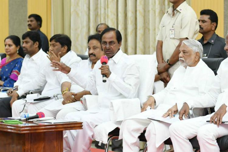 Is there a rule PM cant be criticised KCR lashes out at BJP and Nirmala