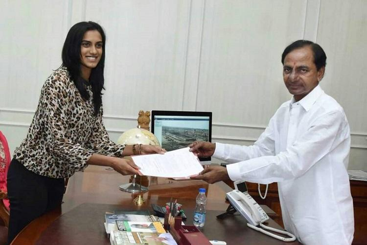 After cash prize Telangana CM KCR allots residential plot to PV Sindhu