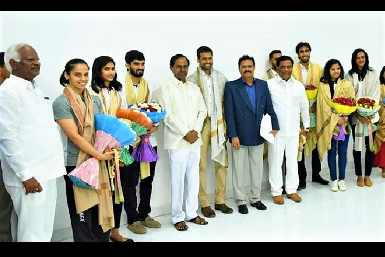 Telangana CM KCR meets CWG players announces 2 quota for sportspersons in govt jobs