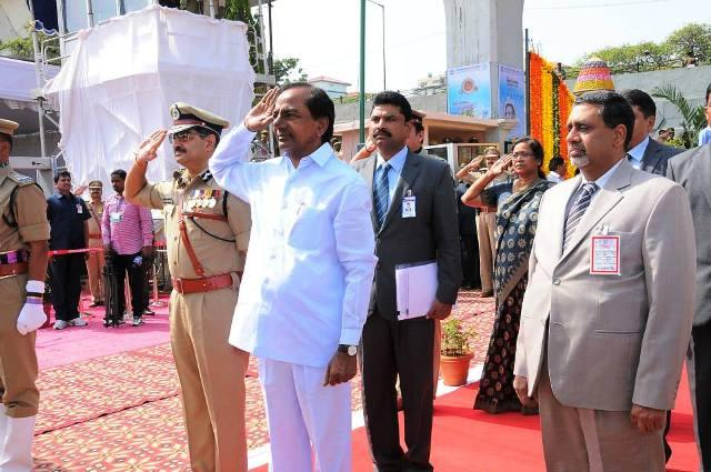 TRS plans to unfurl countrys tallest national flag in Hyd runs into problem