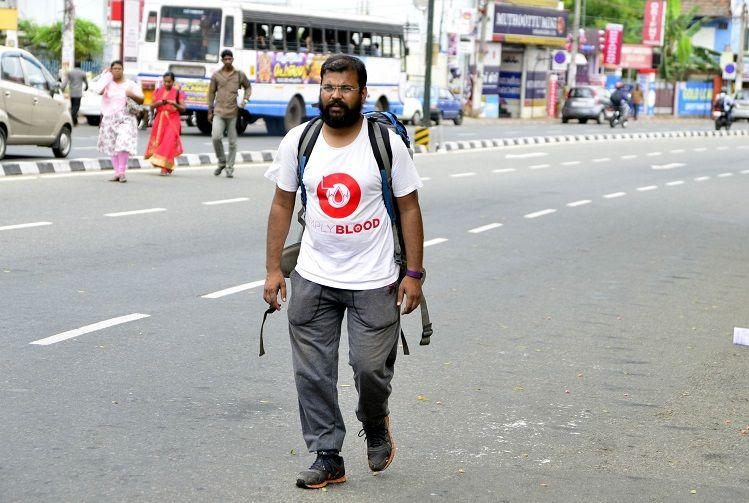 Meet the man who has travelled over 6000 km on foot to promote blood donation