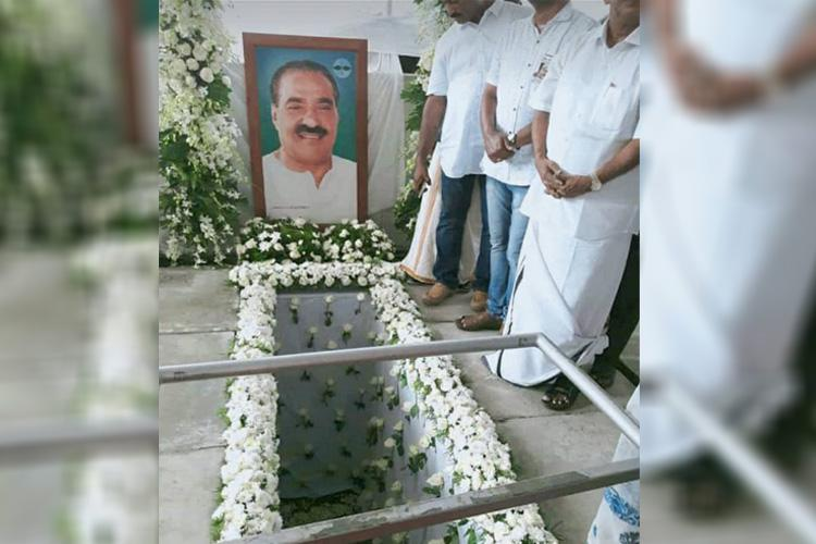 Thousands pay last respects at funeral of Kerala veteran politician KM Mani