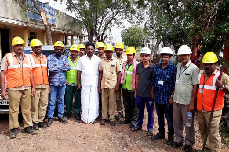 400 strong Kerala Electricity Board team helps restore power to Gaja hit regions of TN